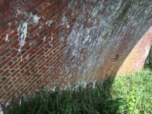 Diagonal brickwork