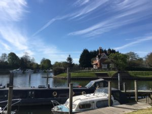 Starting the day at Shepperton Lock