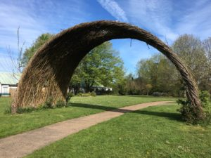 Clever wicker arch
